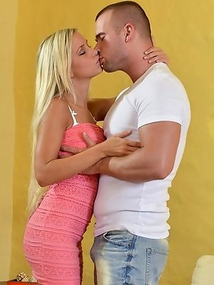 All day at work today Lola Myluv daydreamed about heading home to her man to enjoy some passionate sex. When her shift ended, she let him know she was